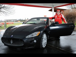 Alonso si za služební vůz vybral Maserati GranCabrio