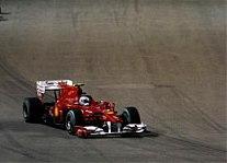 Alonso vyhrál v Singapuru a jde po titulu