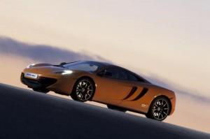 McLaren zveřejnil technická data modelu MP4-12C (+ 3 videa uvnitř)