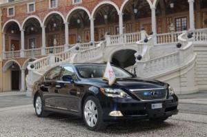 Prince Alberta poveze na svatbě limuzína Lexus LS 600h L