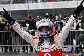 Button ukončil Vettelovu vítěznou šňůru