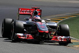 Button zahájil letošní sezónu vítězstvím
