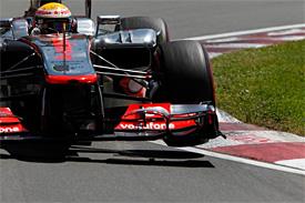 Hamilton sedmým vítězem v sedmé GP sezóny