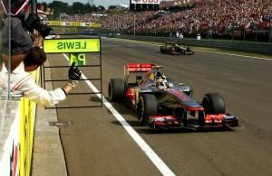 GP Maďarska ovládl Hamilton