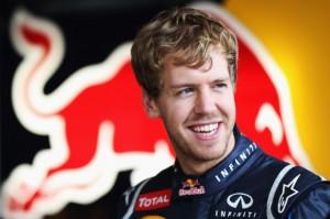 Drama v deštivé Brazílii: Zvítězil Button, Vettel potřetí šampionem