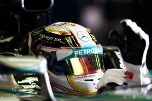 Hamilton získal v Abu Zabí druhý titul mistra světa