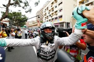 Nico Rosberg získal první titul mistra světa